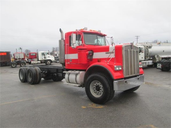 USED 2005 KENWORTH W900 CAB CHASSIS TRUCK #571760