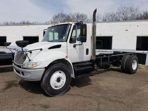 2003 INTERNATIONAL 4400 CAB CHASSIS TRUCK #519551