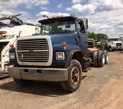 USED 1997 FORD LT800 CAB CHASSIS TRUCK #615871