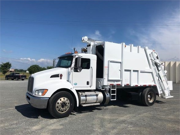 2013 KENWORTH T370 GARBAGE TRUCK (PACKER) TRUCK #643339