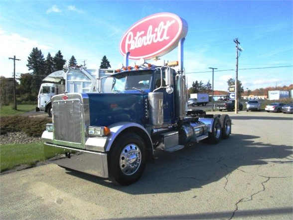 USED 2005 PETERBILT 379 DAYCAB TRUCK #603910