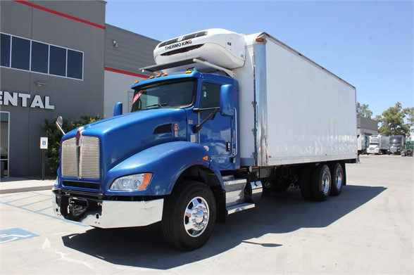 USED 2012 KENWORTH T440 REEFER TRUCK #640563