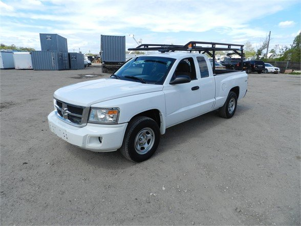 2010 DODGE DAKOTA 4WD 1/2 Ton Pickup Truck