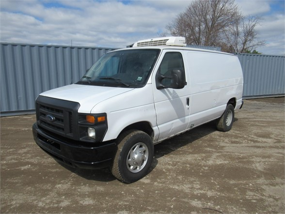 USED 2013 FORD E350 SD REEFER TRUCK #577675