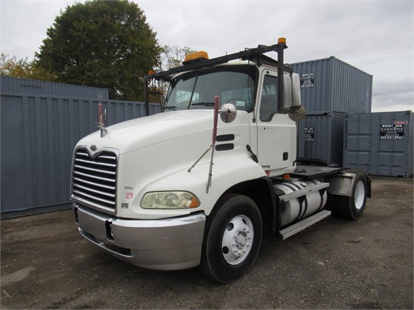 USED 2005 MACK VISION CX612 DAYCAB TRUCK #625884