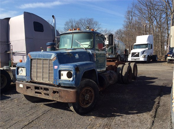 USED 1984 MACK R60 DAYCAB TRUCK #629095