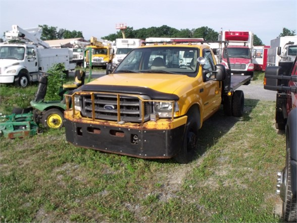 2003 FORD F350 XL SD Flatbed Truck
