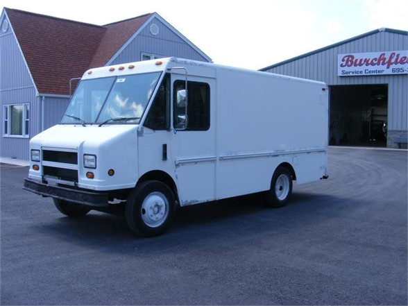 USED 1998 FREIGHTLINER MT35 BOX VAN TRUCK #516615