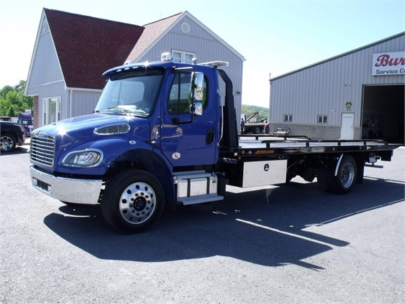 2018 FREIGHTLINER M2 106 Rollback Tow Truck