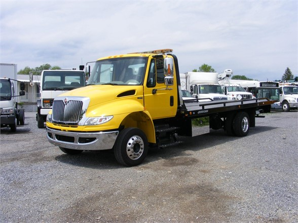 2011 INTERNATIONAL 4300 Rollback Tow Truck