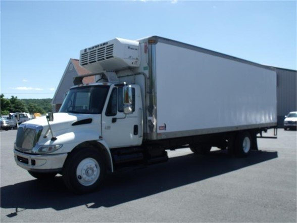 2005 INTERNATIONAL 4300 Reefer Truck