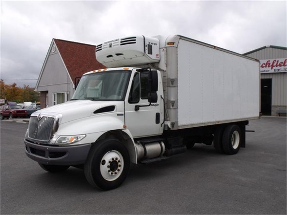 2008 INTERNATIONAL 4300 Reefer Truck