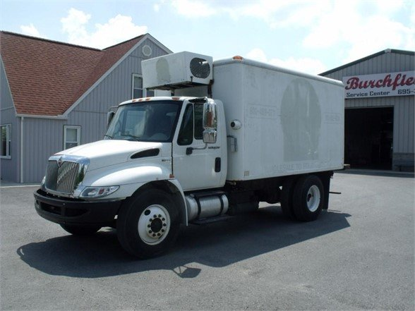2011 INTERNATIONAL 4300 Reefer Truck