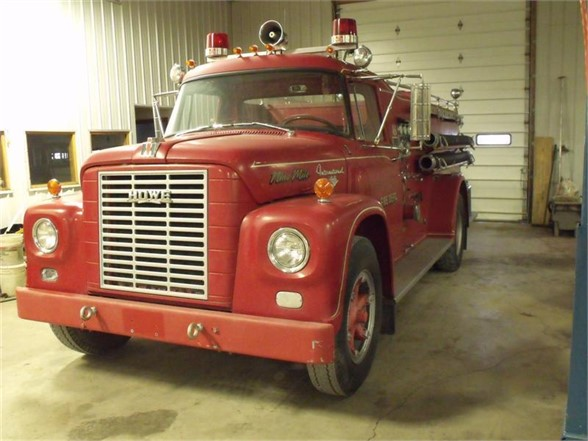 1966 INTERNATIONAL 1700 Fire Truck