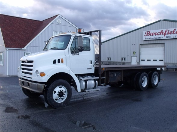 2004 STERLING LT7500 Flatbed Truck