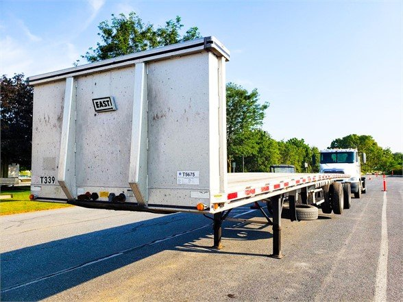 USED 2010 EAST FLATBED FLATBED TRAILER #596986