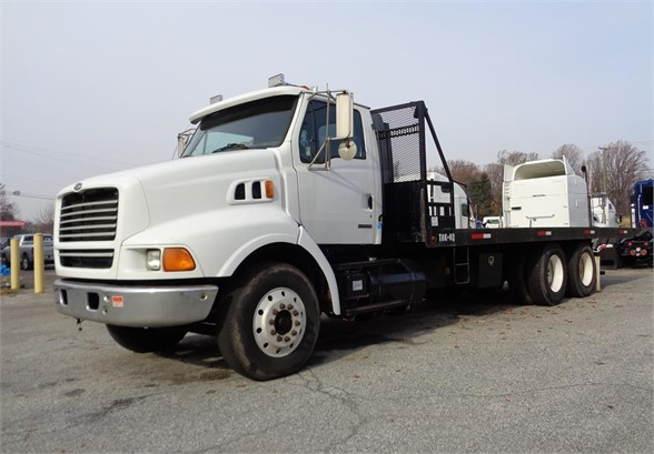 1999 STERLING AT9500 Rollback Tow Truck