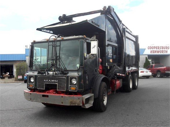 2006 MACK MR688 GARBAGE TRUCK (PACKER) TRUCK #631852