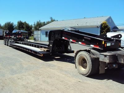 2019 FONTAINE  Lowboy Trailer